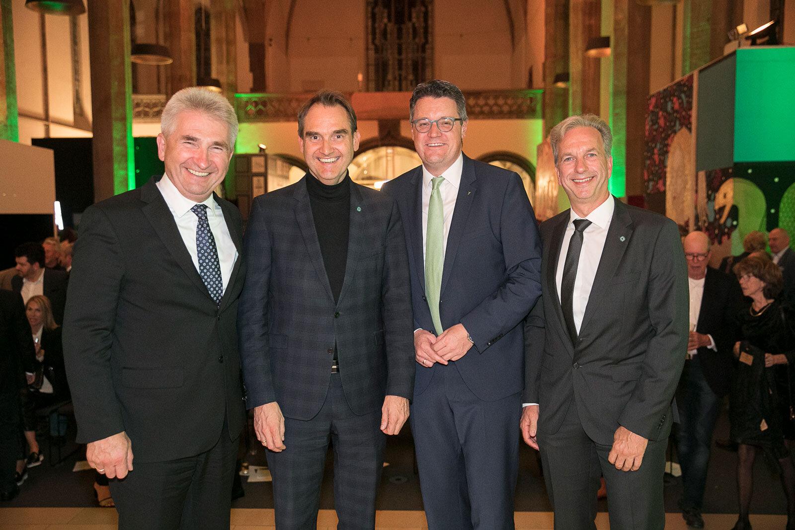 Minister Prof. Dr. Andreas Pinkwart, CEO Dr. Oliver Grün, Städteregionsrat Dr. Tim Grüttemeier und COO Dirk Hönscheid bei der 30-Jahr-Feier der GRÜN Software AG.