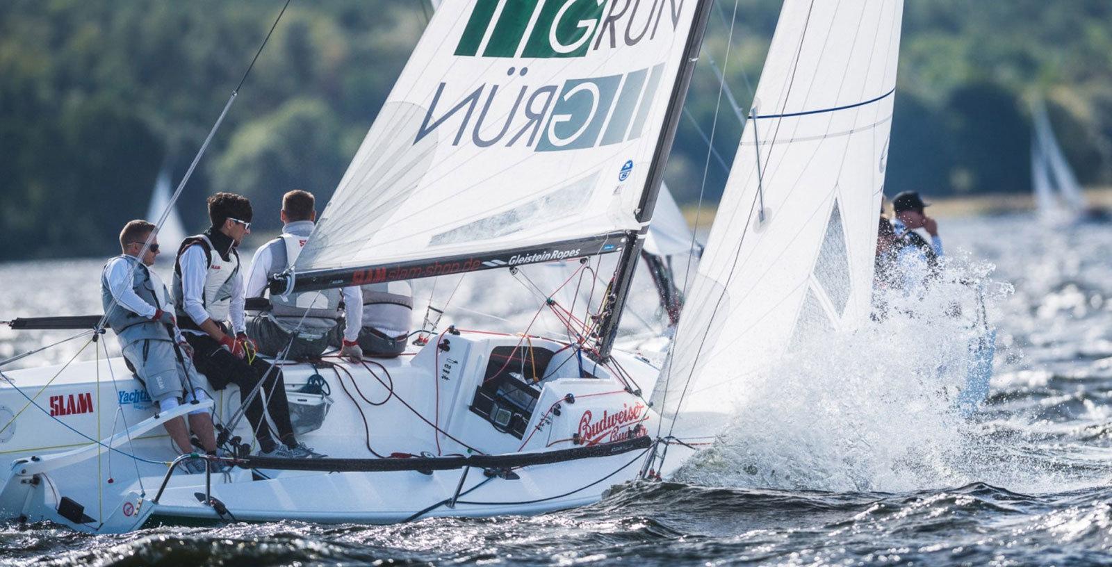 Team GRÜN Software im Segelsport der Klasse J70 in 2016.