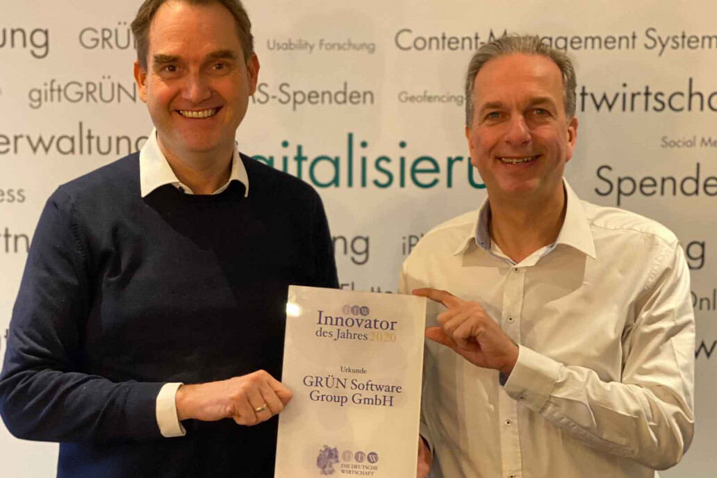 "Dr. Oliver Grün and Dirk Hönscheid, managing director of GRÜN Software Group GmbH, are happy to have been named ""Innovator of the Year 2020""."