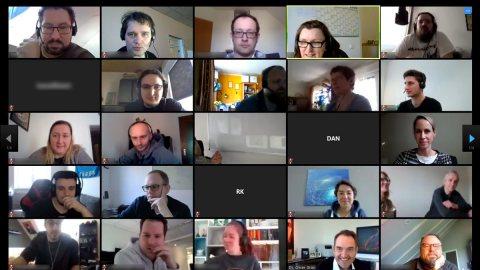 Online-Meetings in Kundenprojekten können über Videokonferenz-Plattformen durchgeführt werden.